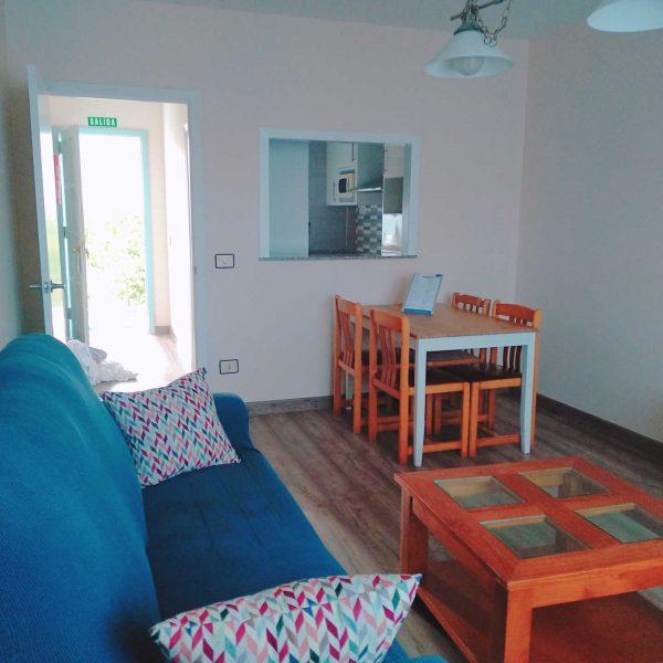 apartamento-vistas-mar-rodeiramar2A-salon-comedor-playa-rodeira-cangas
