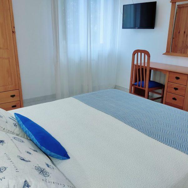 Dormitorio_Hotel_apartamento_jardin_Rodeiramar