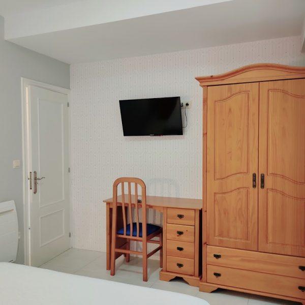 dormitorio_apartamento_planta_baja_jardin_hotel_rodeiramar