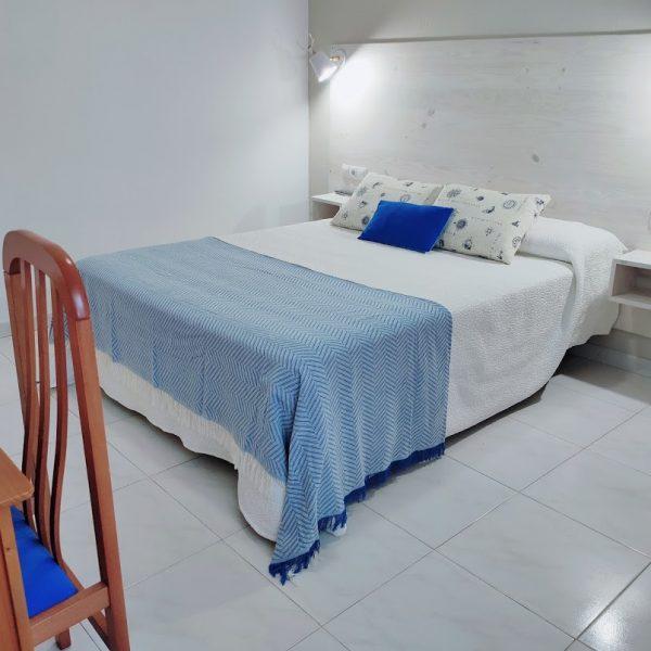 Dormitorio_apartamento_planta_baja_jardin_Rodeiramar