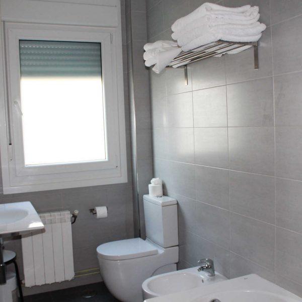 bano_apartamento_vistas_mar_hotel_rodeiramar