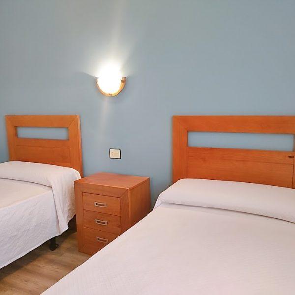 dormitorio_2_camas_hotel_ rodeiramar