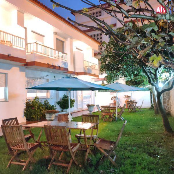 terraza_jardin_rodeiramar_apartamentos_familias_playa